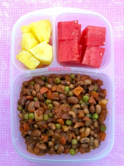 Bentoriffic- BBQ beans and veggies bento