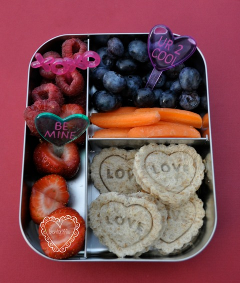 Bentoriffic- Hearts with love bento in LunchBots