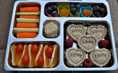 Bentoriffic- Lots of Love bento in Planetbox