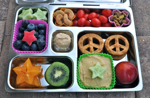 Bentoriffic stars and hummus bento lunch